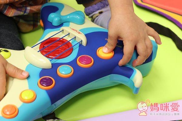 B.toys 獵犬小吉他