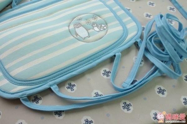 日本 Benesse:快乾吸汗涼感推車坐墊:藍白條紋、藍白點點