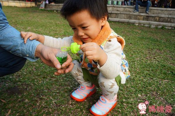 NIKE DYNAMO FREE 輕量小童運動鞋 毛毛蟲鞋