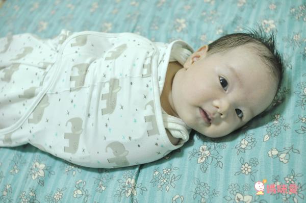 母乳媽咪首選 ❤ 美國 NUROO 唯美哺乳圍巾 ✕ 三階段成長包巾
