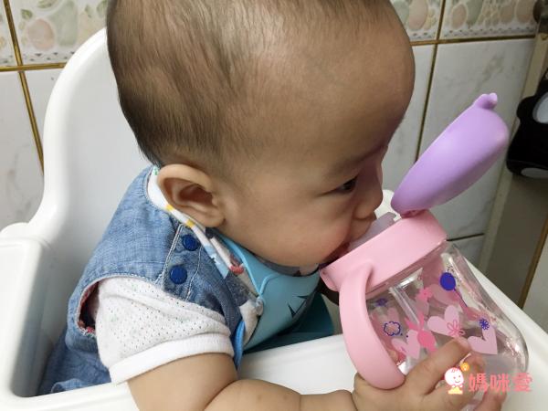 【日本 Richell 利其爾】成長型吸管水杯