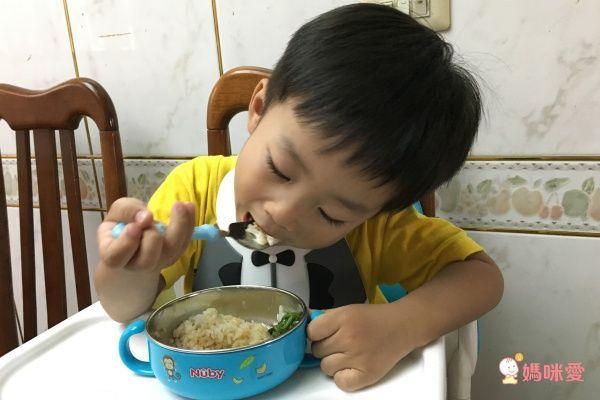 Nuby不鏽鋼餐具水壺系列