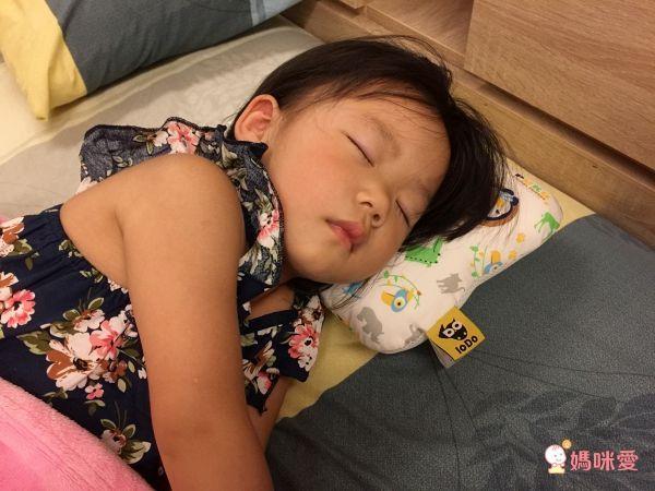 PUKU 藍色企鵝 LoDo 樂豆枕系列、Breeze 透氣雲朵枕、防蚊睡墊