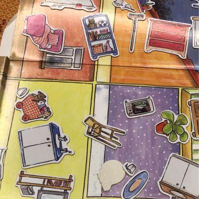 比利時艾格蒙 - 繪本風磁鐵書-守護快樂城堡 by Winnie