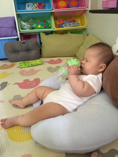 DOOBY 大眼蛙 - 卡通神奇喝水杯-綠色-250mL-8個月起 by Ivy Chen