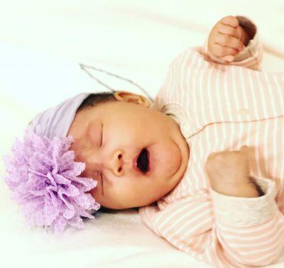 美國baby bling - 彈性舒適寬髮帶_蕾絲花朵-優雅紫 -1 (單一尺寸) by Peggy Chung Pei Wu