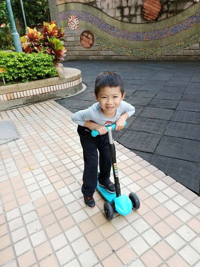 Slider 滑來滑趣 - 兒童三輪折疊滑板車XL1-淺藍 by 陳莘