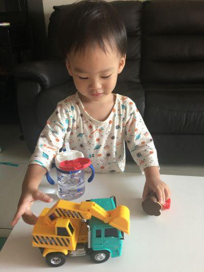 日本 Richell 利其爾 - 第三代 LC 兒童雙握把吸管水杯-星辰-320mL by 王太