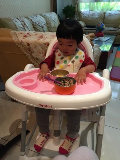 myheart - 折疊式安全兒童餐椅-天空藍 by Betty Wang