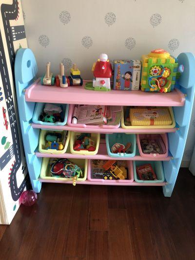 WOOHOO - 兒童玩具收納櫃-四層寬版-粉側板-含大小收納盒 by Vicky Hsu