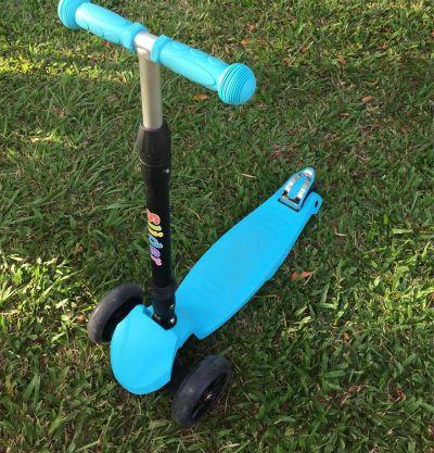 Slider 滑來滑趣 - 兒童三輪折疊滑板車XL1-螢光粉 by 米寶媽