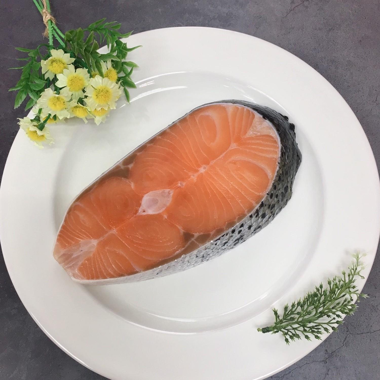 嚴選-智利極凍厚切鮭魚(小) 300公克/片
