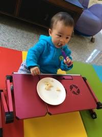 練習自己吃飯 ♛ 寶寶學習餐具大集合 304 不鏽鋼學習筷 / 湯叉組 ♥ 米奇米妮、Kitty、冰雪奇緣陪吃飯,專心用餐樂趣多! by 咖哩