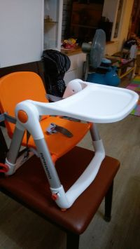 英國 Flippa Apramo 折疊餐椅 馬卡龍新色加入!全新版餐椅,可折疊、安全、不占空間、重量輕、好攜帶! by 羅文宜