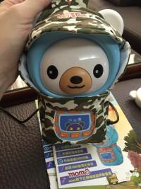 台灣錄音 小牛津帽T熊✪寶貝們人手一隻 全機超過1000首歌 3400分鐘♫小熊說故事給寶寶聽,還有momo台授權歌謠!送獨家帽T熊拼圖組! by 張布丁
