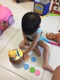 【日本TAKARA TOMY】米奇系列玩具 給0~3Y以上的寶貝✿球球轉轉樂 / 維尼硬幣數一數 / 跟著米奇爬爬樂 / 音樂方向盤 / 星光閃閃維尼小夜燈 by 陳惠琦