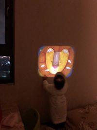 【法國Moulin Roty】故事手電筒 / 桌遊 / 金屬玩具 耶誕限定降價囉!❤ 超人氣質感兒童玩具✦讓寶貝發揮想像創作故事,在家也能擁有小小電影院! by Paipaigirl