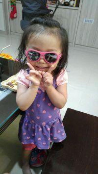 瑞士 SHADEZ 可彎折嬰幼兒時尚太陽眼鏡 ✖ 抗藍光眼鏡 鏡架可彎折設計,不擔心寶寶折斷!款款經典,0~12歲都能戴,超『夏』趴! by Kelly Ke