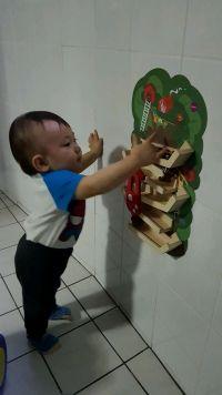 是玩具!也是壁貼!【新加坡 oribel vertiplay】壁貼木玩 佈置可愛兒童房功不可沒!❤ 無毒木頭+可重複黏貼材質 CP 值高❤視覺、聽覺、觸覺多感體驗的壁貼玩具♬ by Yi-lin Chen