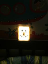日本SPICE ❤創意造型微笑小夜燈 2017新款!✭笑臉吊燈 / 開關燈 / 小夜燈 / 帳篷☞打造專屬秘密基地,把房間變可愛! by Bobomay Wang